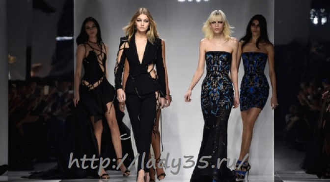 versace-haute-couture-spring-summer-2016-runway-show-in-paris